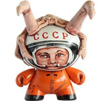 Yuri Gagarin vs Alien custom dunny
